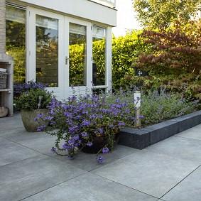 De voordelen en nadelen van keramische terrastegels